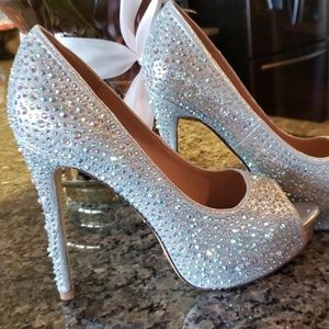 Bling heels!!